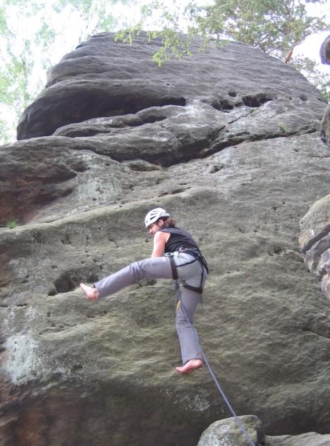 Barfuß Klettern (egal ob barfuß oder nicht, bitte IMMER mit Helm)